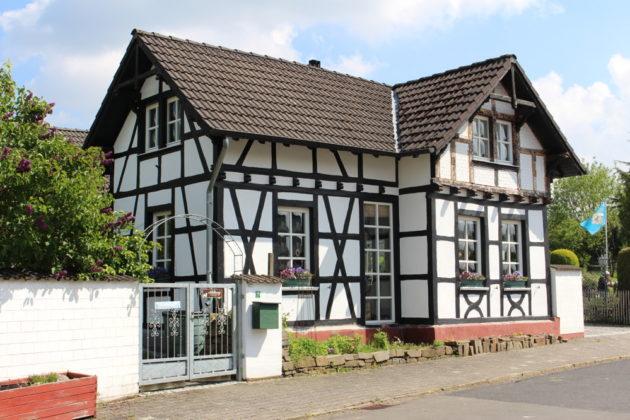 Bad Münstereifel-Mahlberg: Einfamilienhaus, 1.044 qm Grundstück