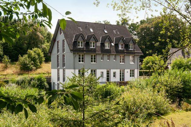 Kall-Gollbach: Wohn- und Geschäftshaus, 1.492 qm Grundstück
