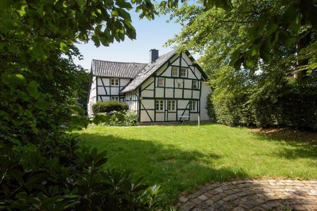 Monschau: Einfamilienhaus, 4.000 qm Grundstück