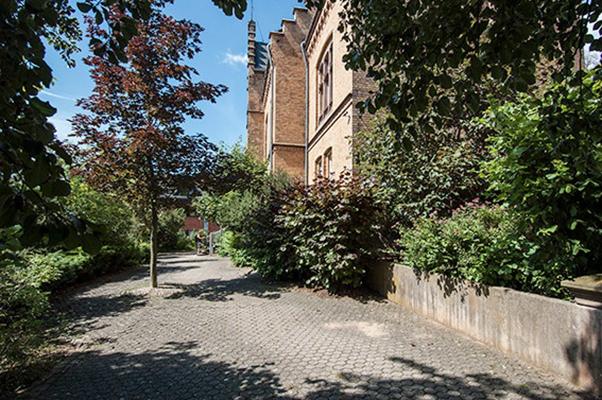 Mechernich-Kommern: 5 Eigentumswohnungen, 2.195 qm Grundstück